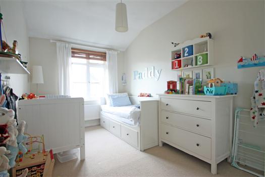 425 Garratt Lane bedroom 2