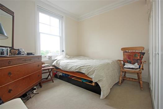 65 Albert Bridge Rd bedroom