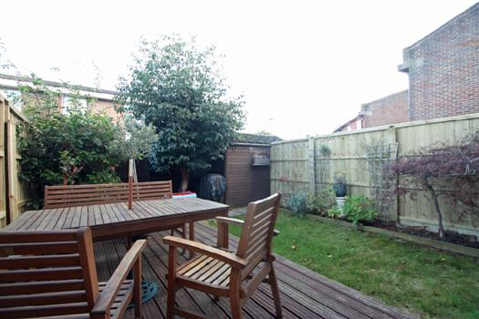 425 Garratt Lane garden
