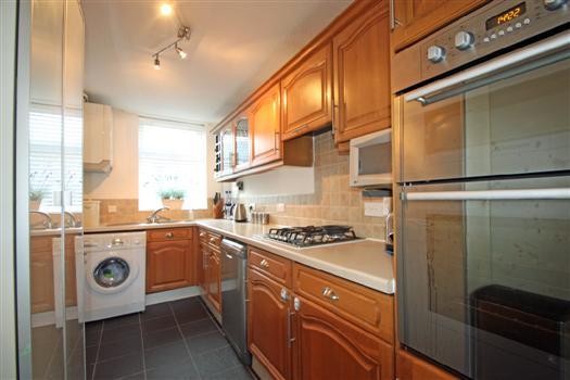 425 Garratt Lane kitchen