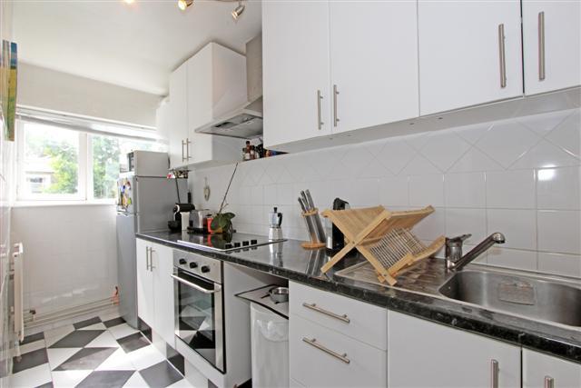 98B Carter Street kitchen