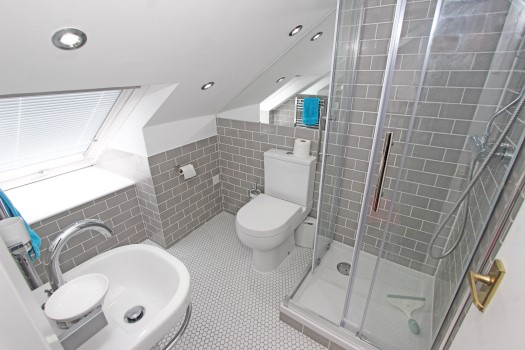 30 Osward Road Ensuite (Custom)