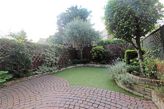 4 Rudloe Road Garden