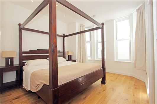 Bedroom 1-92a Clapham Common Northside SW4