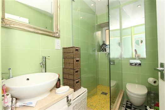 Stevenson House Bathroom 1a (1)
