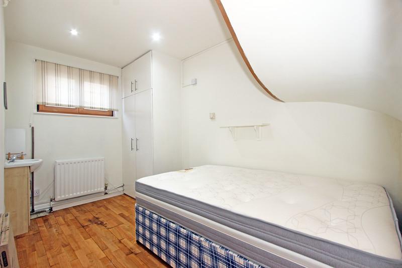 1 Lockington Rd SW8 Bedroom 4