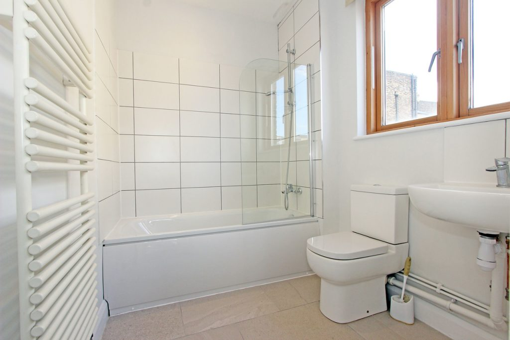 1 Lockington Rd SW8 Bathroom 2