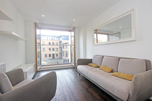 Wingate Square London Lounge