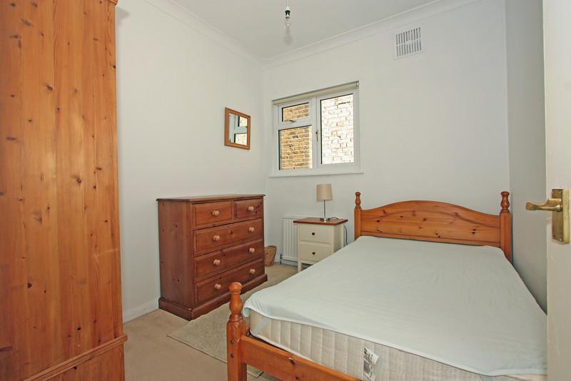 28 Sisters Avenue Bedroom