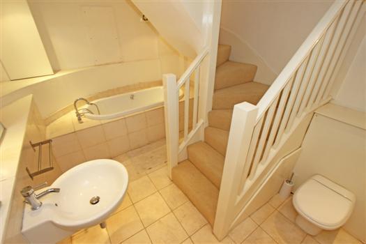clapham manor 144 bathroom