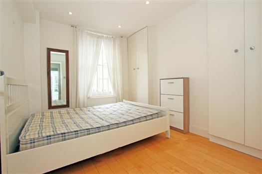 clapham manor 144 bedroom 1