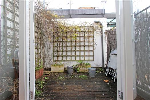 clapham manor 144 patio