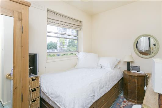 51 Whistlers Ave bed2