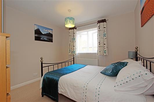 bedroom-2-1 rochelle close