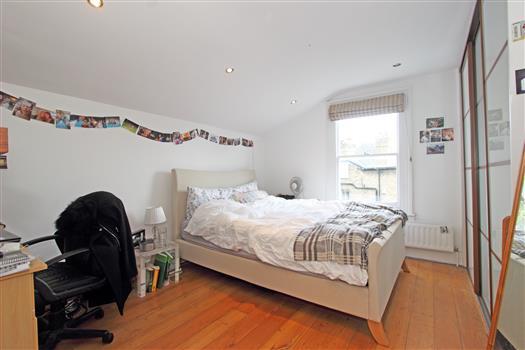 bedroom-2-60b Sistova Road SW12