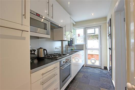 65a Emu Road – kitchen