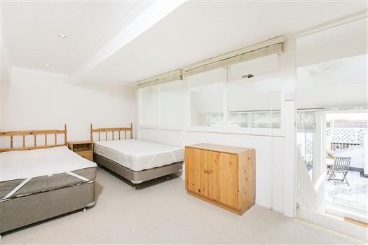 62 Schubert Rd bed1