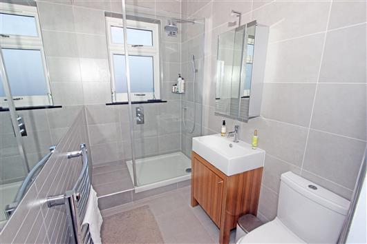 10 Grove Lodge SW4 Bathroom 1b (Custom)