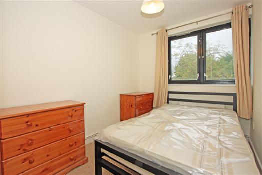 bedroom 1- ericcson close SW18