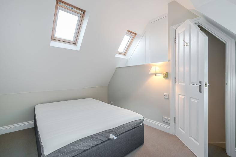8B Shandon Road – Bedroom