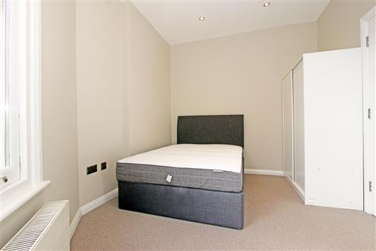 Flat 1 27 Effie Rd Bedroom b